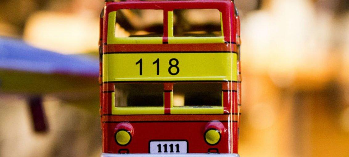 Wesoły autobus - wierszyk w sam raz na podróż z dzieckiem