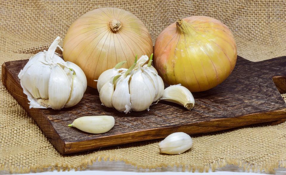 syrop z cebuli i czosnku