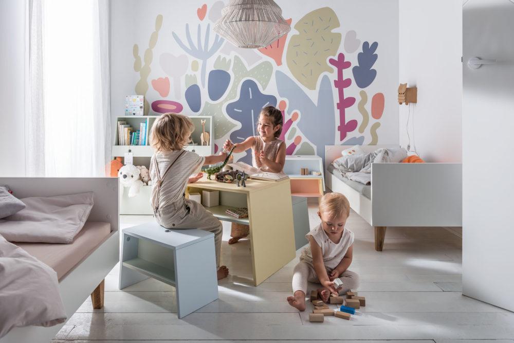mały pokój dla rodzeństwa w różnym wieku